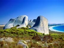 eroded-granite-cheynes-beach