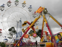 Rides_at_melbourne_show_2005
